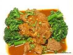HCG Phase 2 - Beef Goulash with Aspiration Broccolini Recipe Phase 2 Hcg Recipes, Hcg Diet Recipes, Beef Recipes, Healthy Recipes, Hcg Meals, Healthy Food, 500 Calorie Meals, Calorie Diet, Beef Goulash