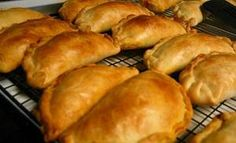 The only beef empanadas recipe you'll need! This easy and delicious Argentine empanadillas recipe comes from my time in Buenos Aires. Beef empanadas are the perfect make ahead snack! Meat Recipes, Mexican Food Recipes, Chicken Recipes, Cooking Recipes, Healthy Chicken, Nigerian Meat Pie, Nigerian Food, Peruvian Cuisine, Peruvian Recipes