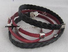 mooi leren wikkel armbandenset rood en zwart met schuifkralen van metaal 17,90