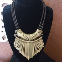 Chicos necklace Statement necklace, never worn Chico's Jewelry Necklaces