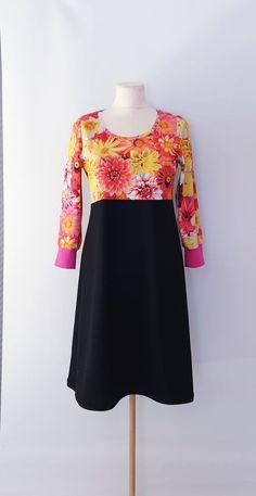 kjole str. 38 Handmade Dresses, Formal Dresses, Fashion, Summer, Dresses For Formal, Moda, Formal Gowns, Fashion Styles, Formal Dress