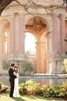 San Francisco wedding photo @ Palace of the Fine Arts http://www.wayneyuan.com