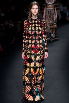 Valentino Fall 2015 Ready-to-Wear Fashion Show - Julie Hoomans (Women)