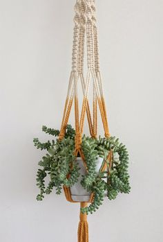 Oh So Lovely Vintage: Green thumb.