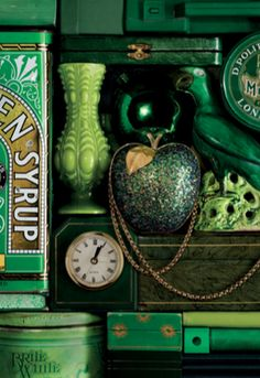 All green things packed into the shelves. I wonder if it was done intentionally. I like it! kn