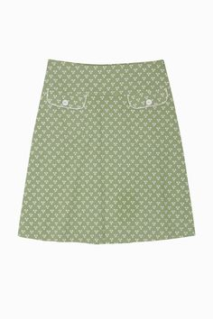 Love this skirt - particularly the welt pockets.  Would go nicely with my A-line skirt pattern ...