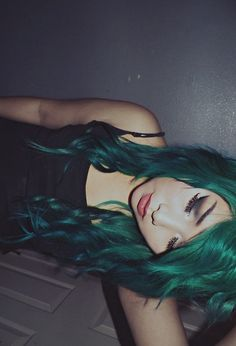 Dark green midnight hairstyle I like this shade it works not very many greens does but that one works