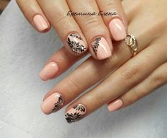 A delicate peach manicure is supplemented by bold and contrasting accent. Labels or thin brushes for nail art and black lacquer are suitable to create this