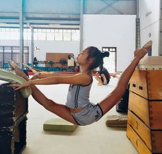 <<Flexibility # Rhythmic Gymnastics Ha Noi Viet Nam>>