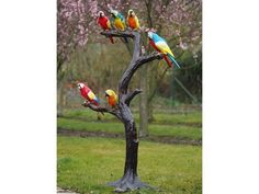 A charming flock of vividly designed parrots perched on a branch, this is the perfect sculpture for brightening up any garden area with an exotic twist. Tree Sculpture, Animal Sculptures, Bronze Sculpture, Garden Sculpture, Parrot Perch, Steinmetz, Bird Feeders, Cute Wallpapers, Exotic