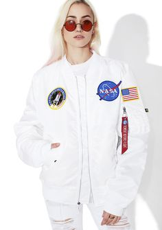 Alpha Industries Icy L-2B NASA Flight Jacket cuz yer at the top of yer class, bb. This dope twist-on-a-classikk flight jacket features a weatherproof white nylon construction, banded trim, signature pull tab on the sleeve, NASA embroidered patches slapped on the chest, and zip front closure.