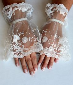 Wedding gloves // White Gloves of high quality by Weddingofdreams, $35.00