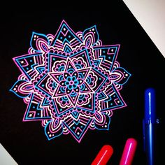 Doodling on black paper The pens are called SAKURA GELLY ROLL! I get asked SO many times what pens I use when I draw on black paper. Gel Pen Art, Gel Pens, Mandala Doodle, Doodle Art, Mandela Art, Black Paper Drawing, Pen Doodles, Colorful Drawings, Art Plastique