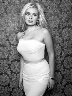 Katherine Jenkins Just stunning! Katherine Jenkins, Holly Willoughby, Dancing With The Stars, Perfect Woman, Celebs, Celebrities, Celebrity Style, Sexy Women, Beautiful Women