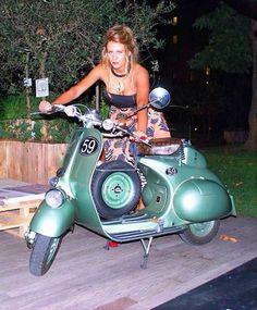 Vespa Motorcycle, Scooter Bike, Motorbike Girl, Piaggio Vespa, Vespa Lambretta, Motor Scooters, Vespa Scooters, Vespa Models, Italian Scooter