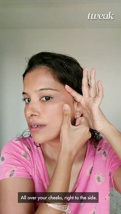Massage Facial, Face Exercises, Healthy Skin Tips, Beauty Tips For Glowing Skin, Face Yoga, Face Contouring, Massage Techniques, Skin Care Remedies, Face Skin Care