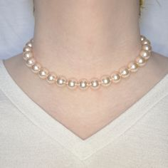 Pearl Necklace Outfit, Single Pearl Necklace, Pearl Necklace Wedding, Diy Necklace, Pearl Bracelet, Pearl Jewelry, Wedding Jewelry, Jewelery, Pearl Necklace Designs