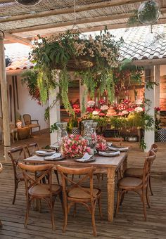 Such an elegant outdoor dining setting. Isnt it idyllic? Image from - Dining Set - Ideas of Dining - Such an elegant outdoor dining setting. Isnt it idyllic? Image from Outdoor Cooking Area, Outdoor Dining Set, Outdoor Rooms, Outdoor Living, Outdoor Decor, Dining Area, Dining Sets, Patio Dining, Outdoor Plants