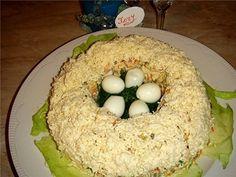 Слоёный салат со свининой и черносливом «Восточное чудо»