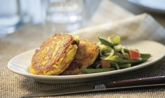 Mais-Speck-Burger auf Bohnensalat - Rezepte - Schweizer Milch Lard, Baked Potato, Turkey, Potatoes, Meat, Baking, Ethnic Recipes, Flat Cakes, Kitchens