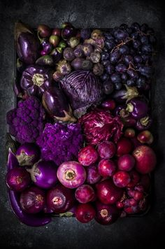 Photo Fruit, Fruit Picture, Fruit And Veg, Fruits And Vegetables, Growing Vegetables, Purple Food, Purple Fruit, Fruit Art, Food Pictures