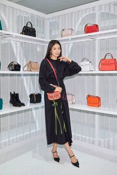 Park Shin Hye Attends Valentino Event in Seoul Decked Out Head to Toe in Brand Fall Styles | A Koala's Playground Leather Bag Design, All Black Looks, Valentino Bags, Park Shin Hye, Black Pantyhose, Korean Actresses, Head To Toe, Wearing Black, Seoul