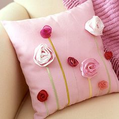 Ideas for handmade – Pillowcases for decorative pillows with their hands pictures) Cute Pillows, Diy Pillows, Decorative Pillows, Cushions, Throw Pillows, Black Pillows, Fabric Crafts, Sewing Crafts, Sewing Projects