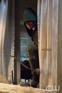 """Arrow """"Lone Gunman"""" -- Image AR103c_0225b. Pictured: Stephen Amell as Arrow -- Photo: Jack Rowand/The CW -- ©2012 The CW Network. All Rights Reserved."""