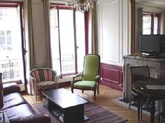 The area : The apartment is located on a pedestrian and flowered street (non traffic way) in the center of the Marais district 75004. Paris world famous cultural and lively central district. 17 and 18th century Paris ...