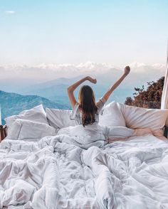 Dwarika's Resort, Nepal - waking up in a bed in the clouds