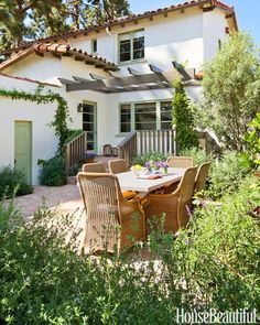 outdoor garden, Spanish house