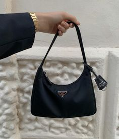 Find tips and tricks, amazing ideas for Prada handbags. Discover and try out new things about Prada handbags site Prada Bag, Prada Handbags, Handbags Online, Tod Bag, My Bags, Purses And Bags, Gucci Logo, Dior Saddle Bag, Shopping