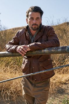 <em>Riverdale</em>'s<em></em>Skeet Ulrich Has to Destroy His Scripts so His Kids Don't Steal Them | The actor, who plays FP Jones in the Netflix hit, talks about season 2 and how his TV son, Cole Sprouse, is friends with his real kids offscreen.