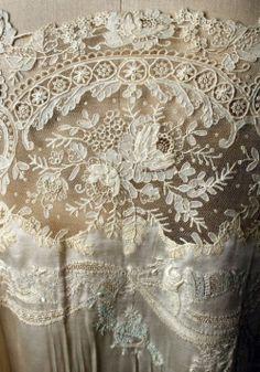 Vintage Embroidery Lace Trim by 1 Yard, White, - Embroidery Design Guide Antique Lace, Vintage Lace, Victorian Lace, French Vintage, Vintage Style, Textiles, Vintage Accessoires, Bordados E Cia, Passementerie
