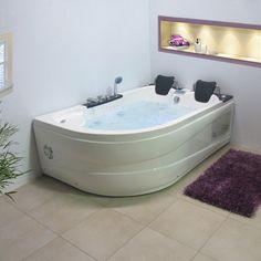 Améliorez votre tonus musculaire en installant une baignoire balnéo dans votre salle de bain et profitez des bienfaits de la balnéothérapie au quotidien.