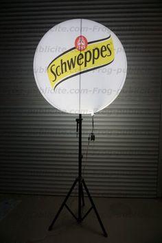 Sphère lumineuse gonflable sur trépied pour l'Offshore à Genval - Schweppes