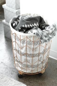 DIY Mudcloth Print Cotton Canvas and Wire Hamper Diy Projects For Kids, Diy For Kids, Home Crafts, Diy Home Decor, I Spy Diy, Hamper, Home Decor Inspiration, Printed Cotton, Cotton Canvas