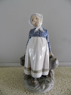 ROYAL COPENHAGEN Figurine no. 815 featuring a Peasanrt GIRL with Lunch. Denmark by ThoPo on Etsy