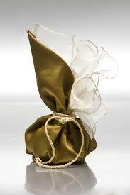 μπομπονιερεσ γαμου - Αναζήτηση Google Wedding Favor Bags, Wedding Candy, Wedding Gifts, Flower Girl Wreaths, Decor Crafts, Diy Crafts, Persian Wedding, Lavender Sachets, Party Gifts
