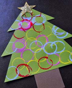I Heart Crafty Things: Ornament Stamped Christmas Tree Craft (toilet paper roll) Christmas Arts And Crafts, Christmas Activities, Christmas Projects, Christmas Themes, Christmas Fun, Holiday Crafts, Spring Crafts, Homemade Christmas, Christmas Tree Art