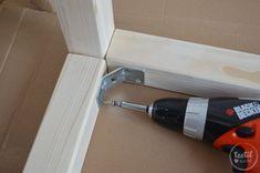 Ein Hausbett bauen ist gar nicht so schwer. Wie genau zeige ich dir in meiner Bauanleitung für unser XXL-Hausbett.