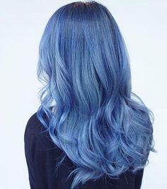 Cabelo azul divinal