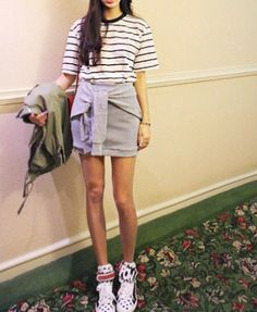 Grey Body-Conscious Skirt with Fake Sleeves to Front