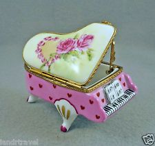 NEW HAND PAINTED FRENCH LIMOGES BOX GORGEOUS GRAND PIANO WITH ROSES & HEARTS
