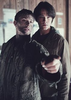 Find images and videos about supernatural, Jensen Ackles and dean winchester on We Heart It - the app to get lost in what you love. Dean Winchester Supernatural, Supernatural Jensen Ackles, Sam And Dean Winchester, Sam Dean, Winchester Brothers, Jared Padalecki, Misha Collins, Familia Winchester, Supernatural Pictures