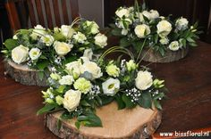 Mooi resultaat - Home Page Funeral Flower Arrangements, Silk Floral Arrangements, Vase Arrangements, Beautiful Flower Arrangements, Funeral Flowers, Floral Centerpieces, Beautiful Flowers, Casket Flowers, Table Flowers