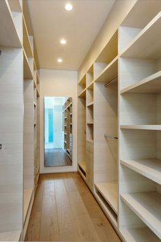 Walk In Closet Ideas - Searching for some fresh ideas to remodel your closet? See our gallery of leading high-end walk in closet layout ideas as well as photos. Spacious Closets, House Design, Closet Remodel, Home, Bedroom Wardrobe, Small Master Bedroom, Bedroom Closet Design, Closet Designs, Closet Decor
