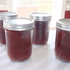 Cake baked in wide mouth mason jars, can be wrapped in bubble wrap and sent to soldiers, how cool is that!