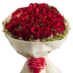 This is a perfect gift for your loved one whom you want to make and see happy.  http://fbn-flower.blogspot.in/2015/09/authentic-love.html