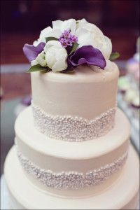 But I'd have her make it match my belt! With coral calla Lillie's and peonies on top. Wedding Cake Cookies, Wedding Cakes, Wedding Cake Designs, Wedding Ideas, Wedding Decor, Wedding Stuff, Pretty Cakes, Beautiful Cakes, Purple Wedding